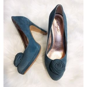 Anthro's Miss Albright blue suede pumps - size 8